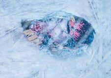 Goalie κάτω από τον πάγο Στοκ Φωτογραφία