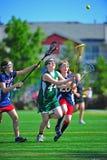 Goalie das meninas da juventude do Lacrosse Fotografia de Stock Royalty Free