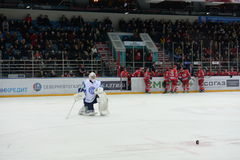 Goalie hockey club Dinamo Minsk Stock Photography