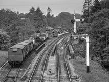 Goathland järnvägsstation i svartvitt Arkivbild