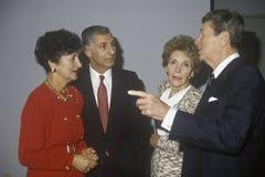 Gobernador George Deukmejian de presidente Ronald Reagan, de señora Reagan, de California y esposa y otras políticos Gobernador G Imagen de archivo libre de regalías