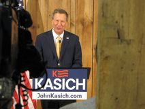 Gobernador Kasich Officially Suspends su campaña presidencial 2016 Fotos de archivo libres de regalías