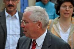Gobernador y canciller federales suizos anteriores Christoph Blocher que da una entrevista a la televisión suiza en el nacional s fotos de archivo libres de regalías