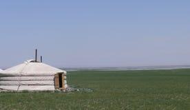 Gobi Ger avec le mirage sur l'horizon Image stock