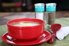 Gobi Malai σούπα, κρεμώδης σούπα κουνουπιδιών στοκ εικόνα