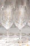 goblet δοκιμάζοντας κρασί χεριών Γυαλιά Στοκ εικόνα με δικαίωμα ελεύθερης χρήσης