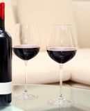 Goblets γυαλιού γυαλιά με ένα κρασί Στοκ εικόνα με δικαίωμα ελεύθερης χρήσης