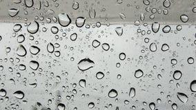 Gocce dell'acqua su vetro Immagini Stock