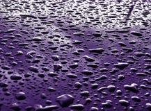Gocce della pioggia su superficie metallica Fotografia Stock Libera da Diritti