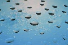 Gocce di acqua uniche su vetro Immagine Stock Libera da Diritti