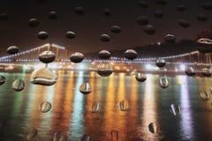 Gocce di acqua uniche su vetro Fotografia Stock Libera da Diritti