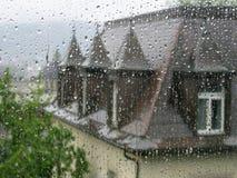 Gocce di pioggia sulla finestra Immagini Stock Libere da Diritti