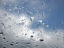 Gocce piovose alla finestra Fotografie Stock Libere da Diritti