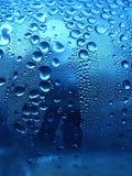 Gocce scintillanti blu immagine stock libera da diritti
