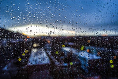 Gocce sulla finestra Immagini Stock Libere da Diritti
