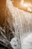 Goccia di acqua congelata in natura Paesaggio del lago Copyspace del chiarore per testo e progettazione Fotografia Stock