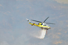 Goccia di acqua dell'elicottero Fotografia Stock