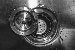 Goccia di acqua sul lavandino immagini stock libere da diritti