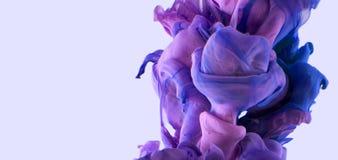 Goccia di colore Viola calda blu scuro Fotografia Stock