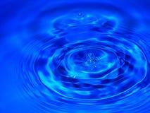 Gocciolina blu fotografie stock libere da diritti