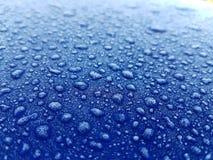 Goccioline di acqua congelate & glassare fondo fotografia stock libera da diritti