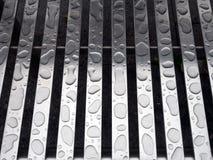 Goccioline di acqua su alluminio, modello astratto naturale Fotografia Stock Libera da Diritti