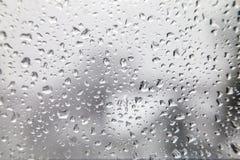 Goccioline di acqua su Gray White Background immagine stock