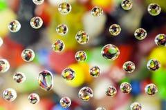 Goccioline di acqua sulle caramelle dolci Immagine Stock Libera da Diritti