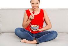 Goce de la comida sana Imágenes de archivo libres de regalías