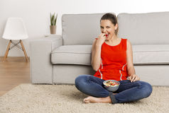 Goce de la comida sana Imagen de archivo libre de regalías
