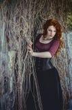 Gocka kobieta w czerni sukni Fotografia Royalty Free