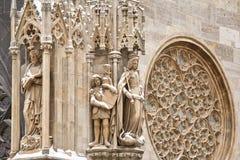 Gockie statuy na katedrze Zdjęcia Royalty Free