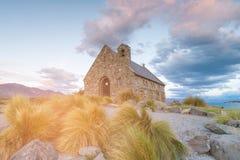 God湖边新西兰Tekapo教会  库存图片