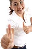 god lycka som visar den le kvinnan för tecken arkivfoton