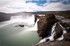 Godafoss瀑布,冰岛,欧洲的剧烈的长的曝光图象 库存照片