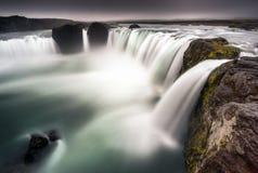 Godafoss,冰岛-看下来巨大的瀑布 图库摄影