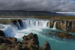 Godafoss en av de mest berömda vattenfallen i Island royaltyfri foto
