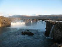 Godafoss härlig icelandic vattenfall Arkivfoto