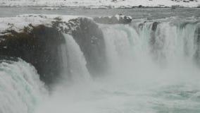 Godafoss-Wasserfälle in Nahaufnahme Islands 4K stock video
