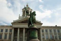 Godefroid de Bouillon Statue - Bruxelas - Bélgica imagens de stock