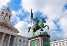 Godefroid de Bouillon Statue em Bruxelas fotografia de stock