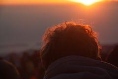 Godendo della vista dell'alba alla sommità completi in vulcano Rinjani dell'alta montagna Isola Lombok, Indonesia Fotografie Stock Libere da Diritti