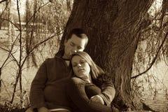 Godere dell'azienda e dell'amore di ciascuno Fotografie Stock