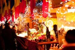 Godies für Verkauf am Weihnachtsmarkt stockfotos