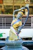 Godinstandbeeld van Boeddhistische mythologie (Phra Mae Thorani) stock afbeelding