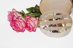 Godis och blommor för ferien Fotografering för Bildbyråer