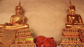 Godsdienst Oud en Nieuw Gouden Buddhas-Standbeeld Royalty-vrije Stock Afbeelding