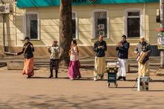 Godsdienstige musici op Centrale straat van Mykolaiv-Stad, de Oekraïne 03/17/19 royalty-vrije stock foto's