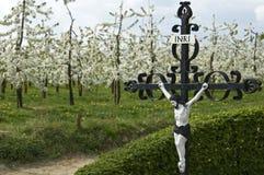 Godsdienstigheid, economie en aard in landelijk landschap Stock Foto's
