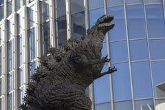 Godzilla statua w Hibiya obraz stock